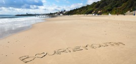 bournemouth-beach-in-writing-1050x500